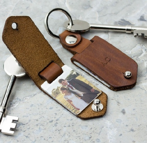 9 Latest And Best Leather Anniversary Gift Ideas Styles At Life In 2020 Photo Keyrings Leather Anniversary Gift Leather Gifts