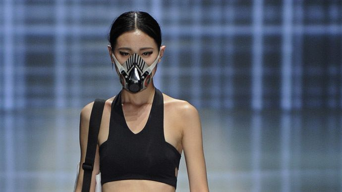 Smog Couture Facemasks On Catwalk At China S Fashion Week Fashion Sportswear Fashion China Fashion