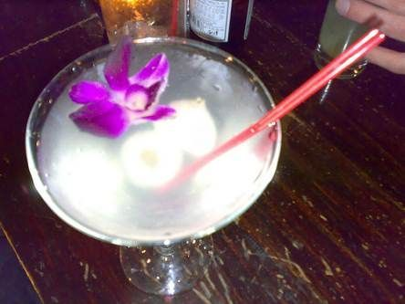 I've never had lychees and i don't really drink, but this just looks so darn pretty. Lychee Martini #lycheemartini I've never had lychees and i don't really drink, but this just looks so darn pretty. Lychee Martini #lycheemartini