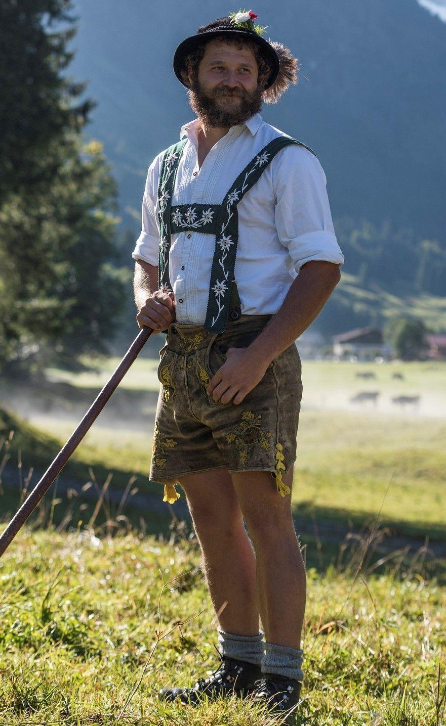 Classic lederhosen and suspenders   Lederhose, Oktoberfest