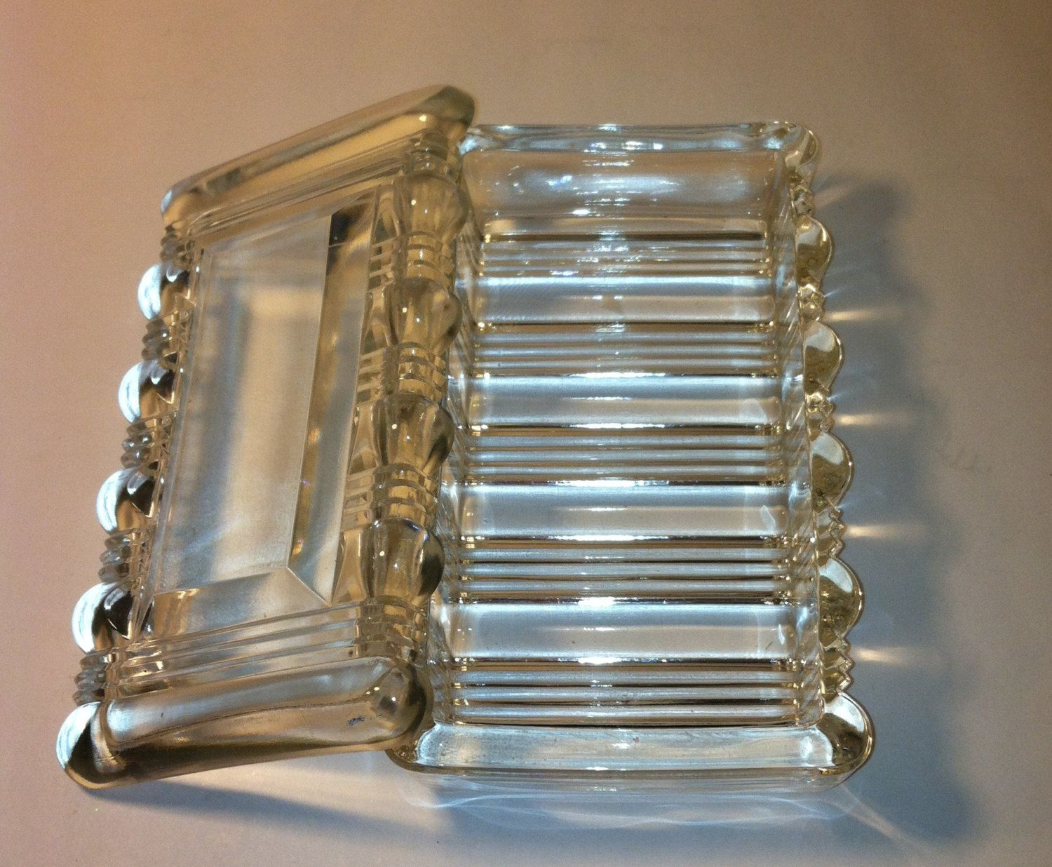 Vintage Glass Cigarette Box With 4 Matching Ashtrays
