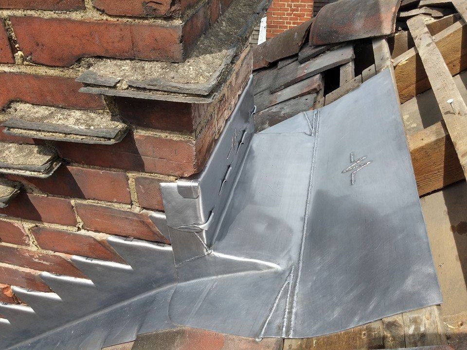 Some Great Looking Leadsheet Jobs There Roofmedic How We Like It Roof Construction Fireplace Design Flat Roof