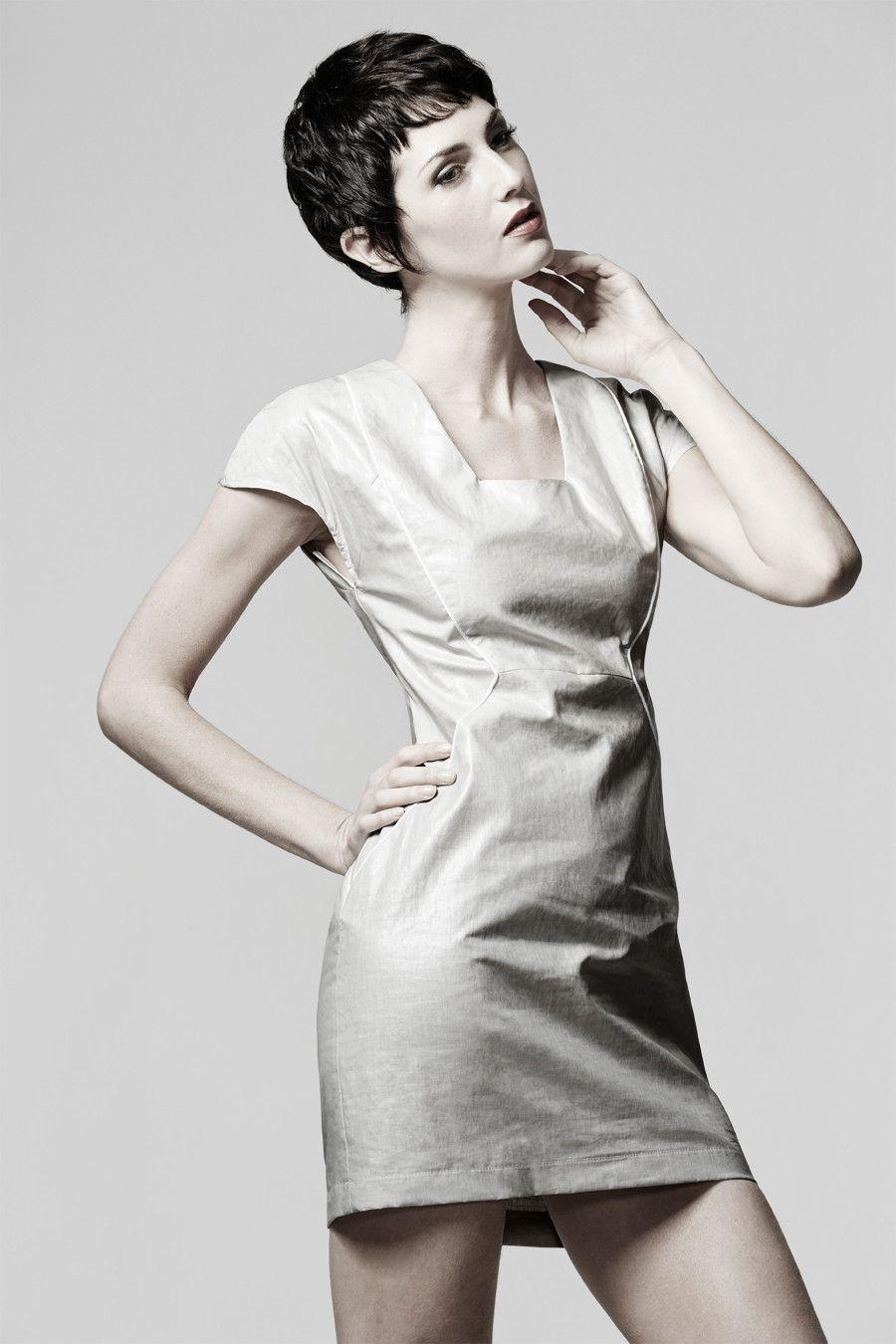 Moda dress - Multi paneled shift dress. Sewing pattern by Ralph Pink ...