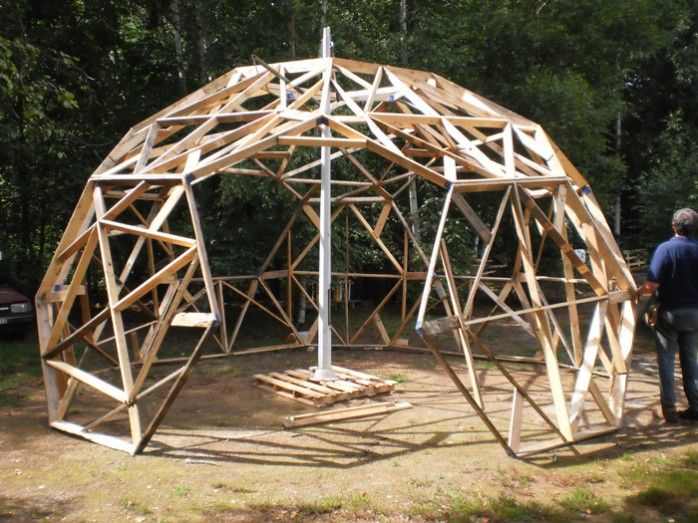 serre de jardin en bois d me geodesique pinterest serre de jardin jardins en bois et serre. Black Bedroom Furniture Sets. Home Design Ideas