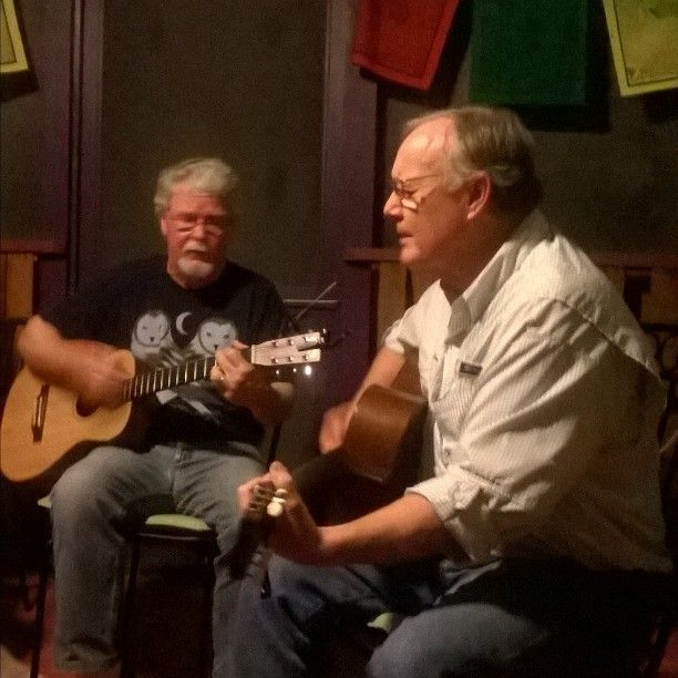 Surprise concert by guests at #cedarhouseinn tonight.