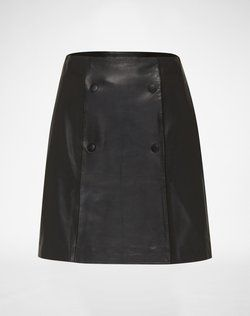 Leather skirt: 'Sancia' from EDITED the label. Click on the picture to get the product ♥︎