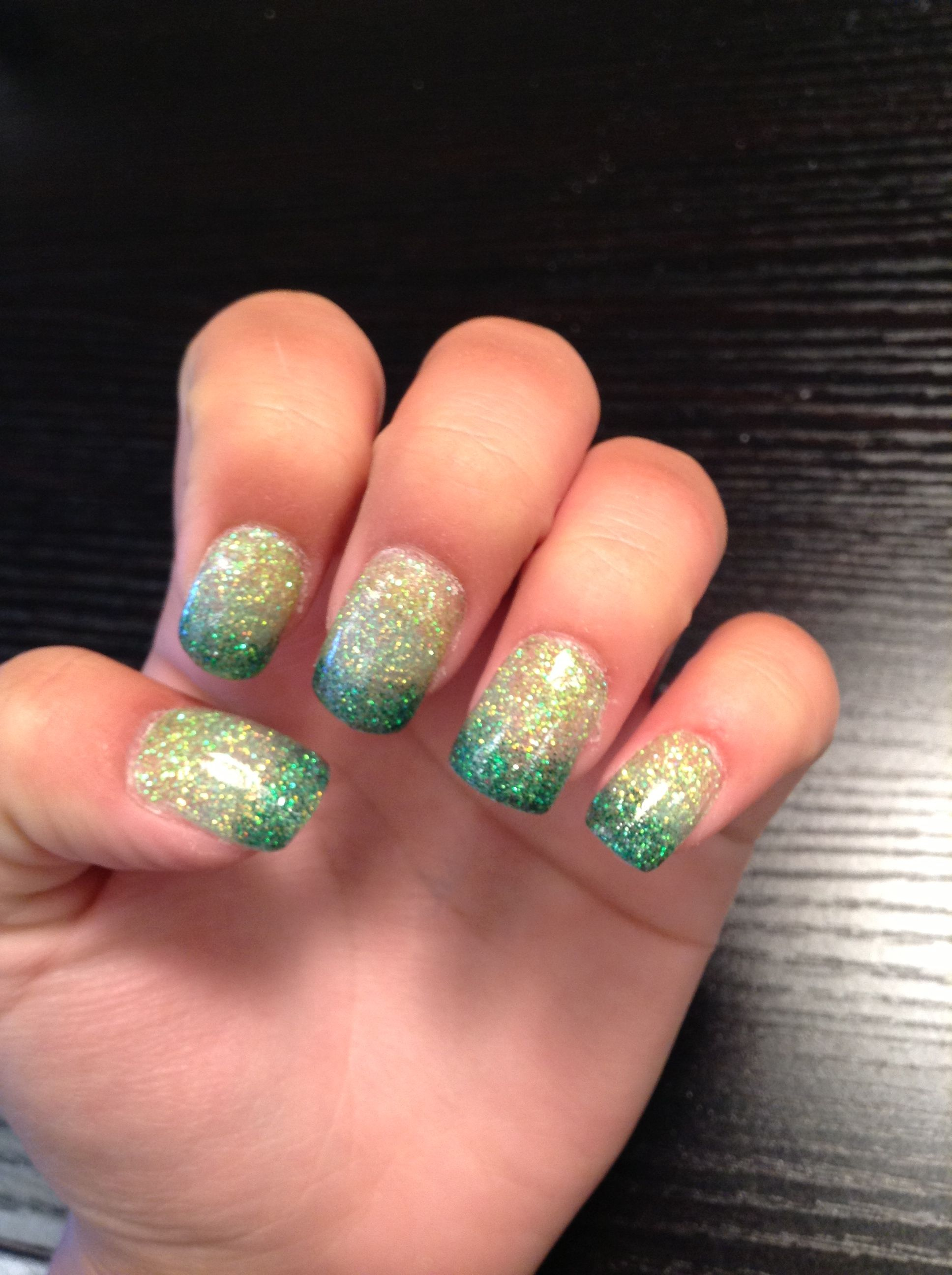 tinkerbell inspired green ombré acrylic nails | The only reason I ...