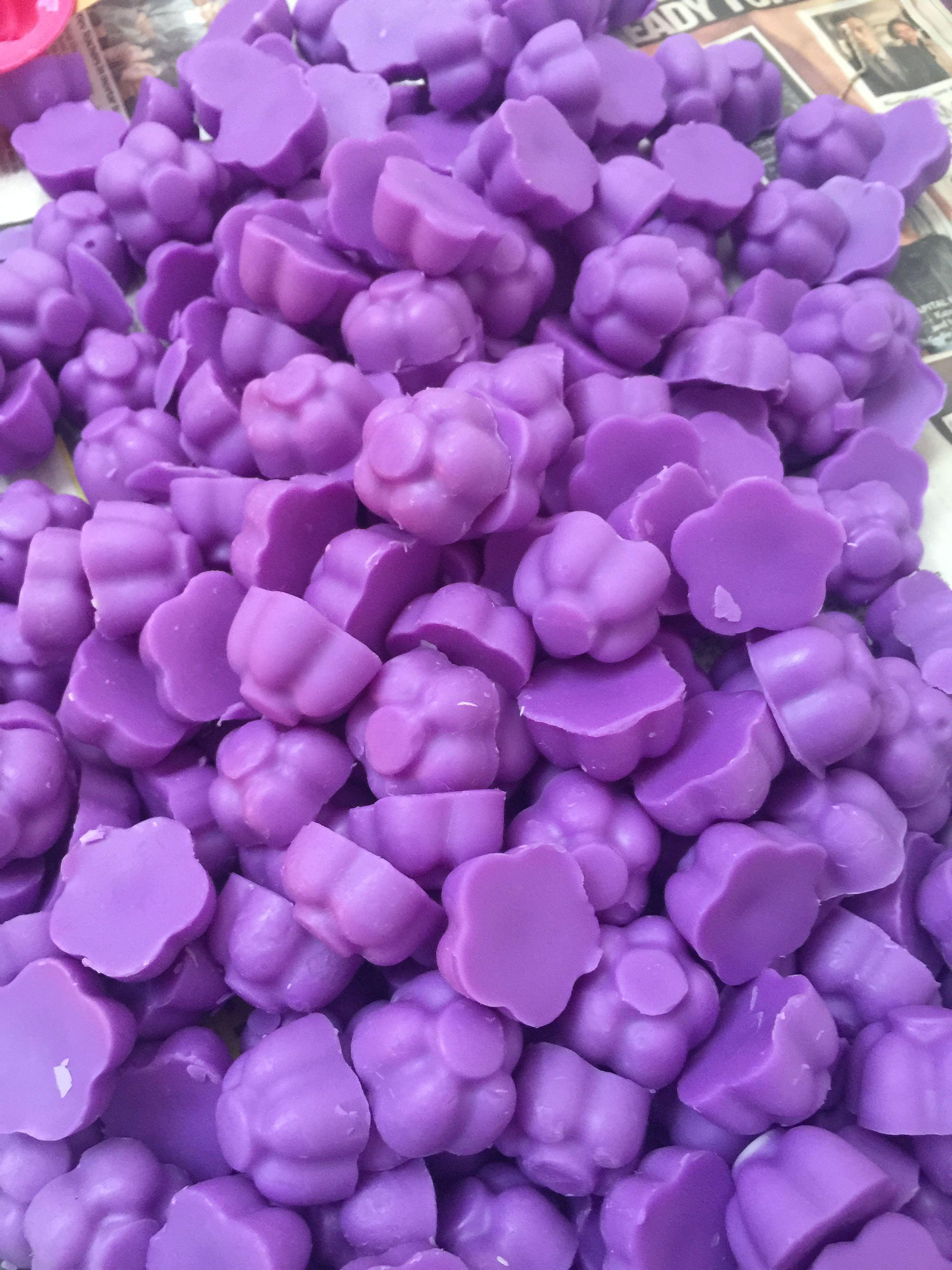 Palma violet daisy wax melts www.daisymelts.co.uk Wax