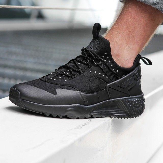 Clothing · Nike Air Huarache ...