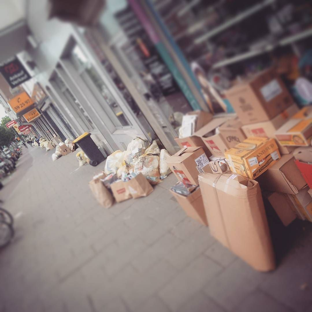 That's what Bremen's Neustadt looks like when the garbage