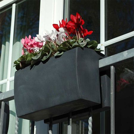 Selbsthängender Balkonkasten Linea | Balkon Ideen | Pinterest ... Balkon Ideen Blumenkasten Gelander