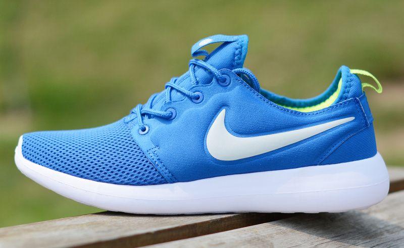 55c0dff2a771e Laufschuhe 2017 Nike roshe two misty blue white UK Trainer