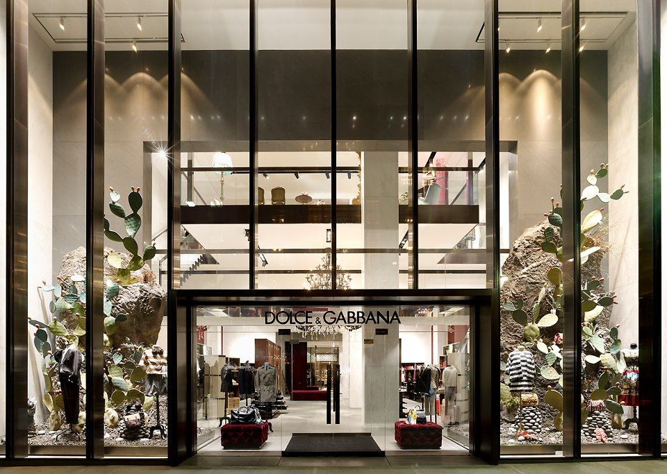 026a004705 New Dolce & Gabbana store on 5th avenue in New York | Lifestyle ...
