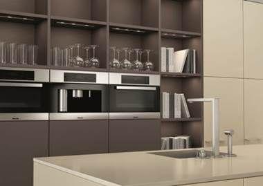 Eletrônicos integrados aos móveis da cozinha