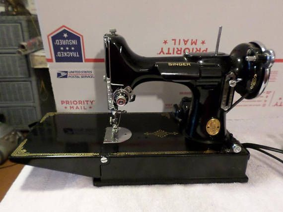 Singer Featherweight Sewing Machine 4040 40939 Model With Case And Stunning Singer Sewing Machine 221 1
