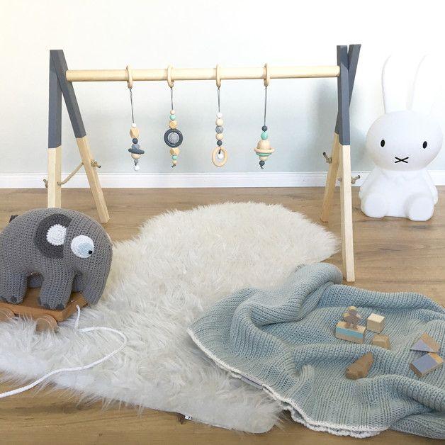 handgefertigter spielbogen aus holz babies diy baby and. Black Bedroom Furniture Sets. Home Design Ideas