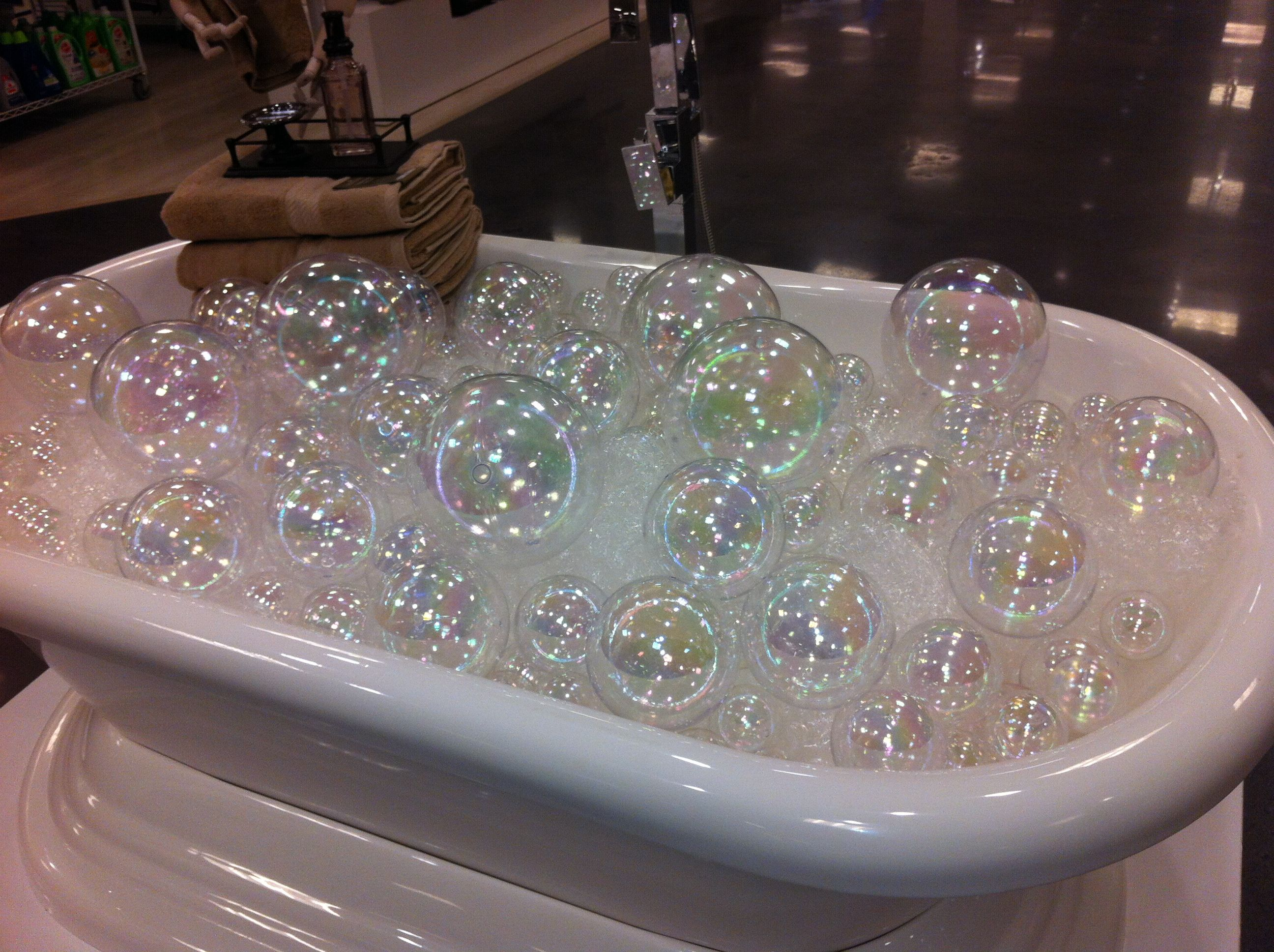 Plastic Clear Balls Bubble Wrap In Tub Pet Store Display Soap Shop Dog Grooming Salons