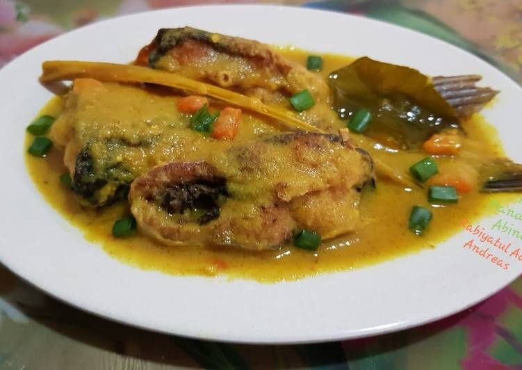 Resep Ikan Patin Bumbu Kuning Oleh Rabiyatul Adawiyah Resep Resep Resep Ikan Resep Makanan