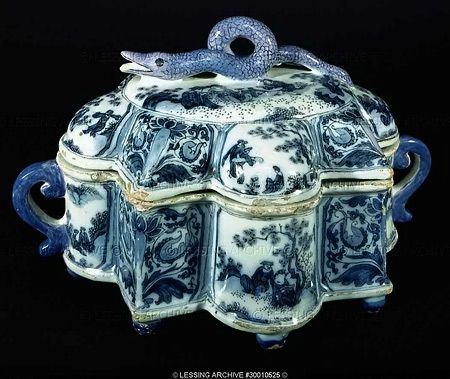 Box Chinoiserie from Delft, Netherlands
