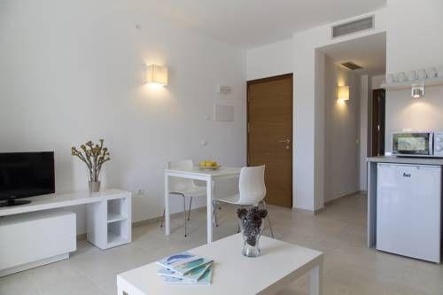 Apartaments Proa Es Pujols ( only adults ) Apartaments Proa Es ...