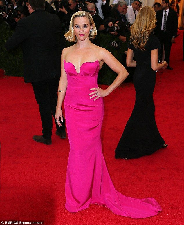 Reese Witherspoon oozes old Hollywood glamour at the Met Gala ...