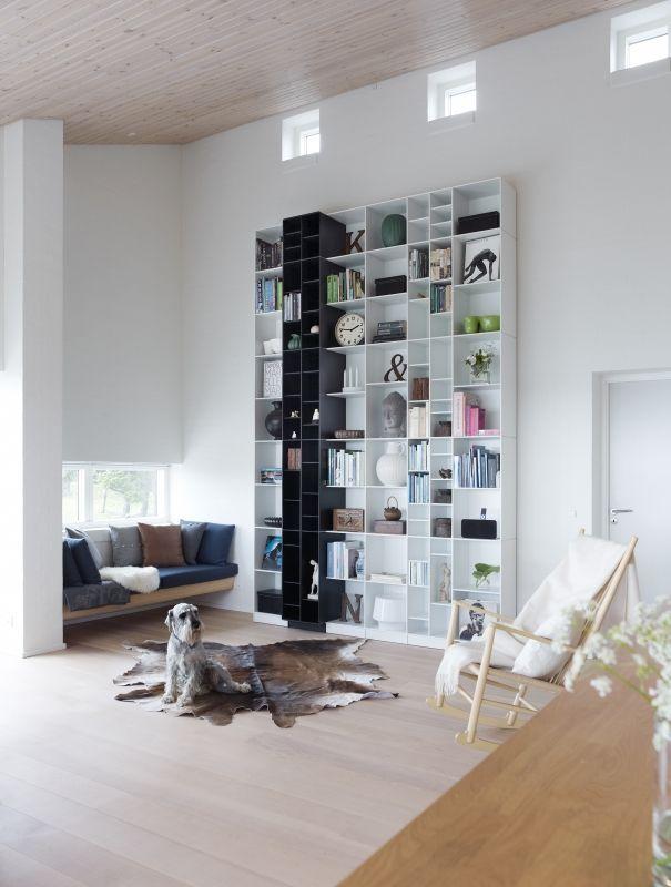 hoge boekenkast met diepteverdeling - abc quadrant - designkasten