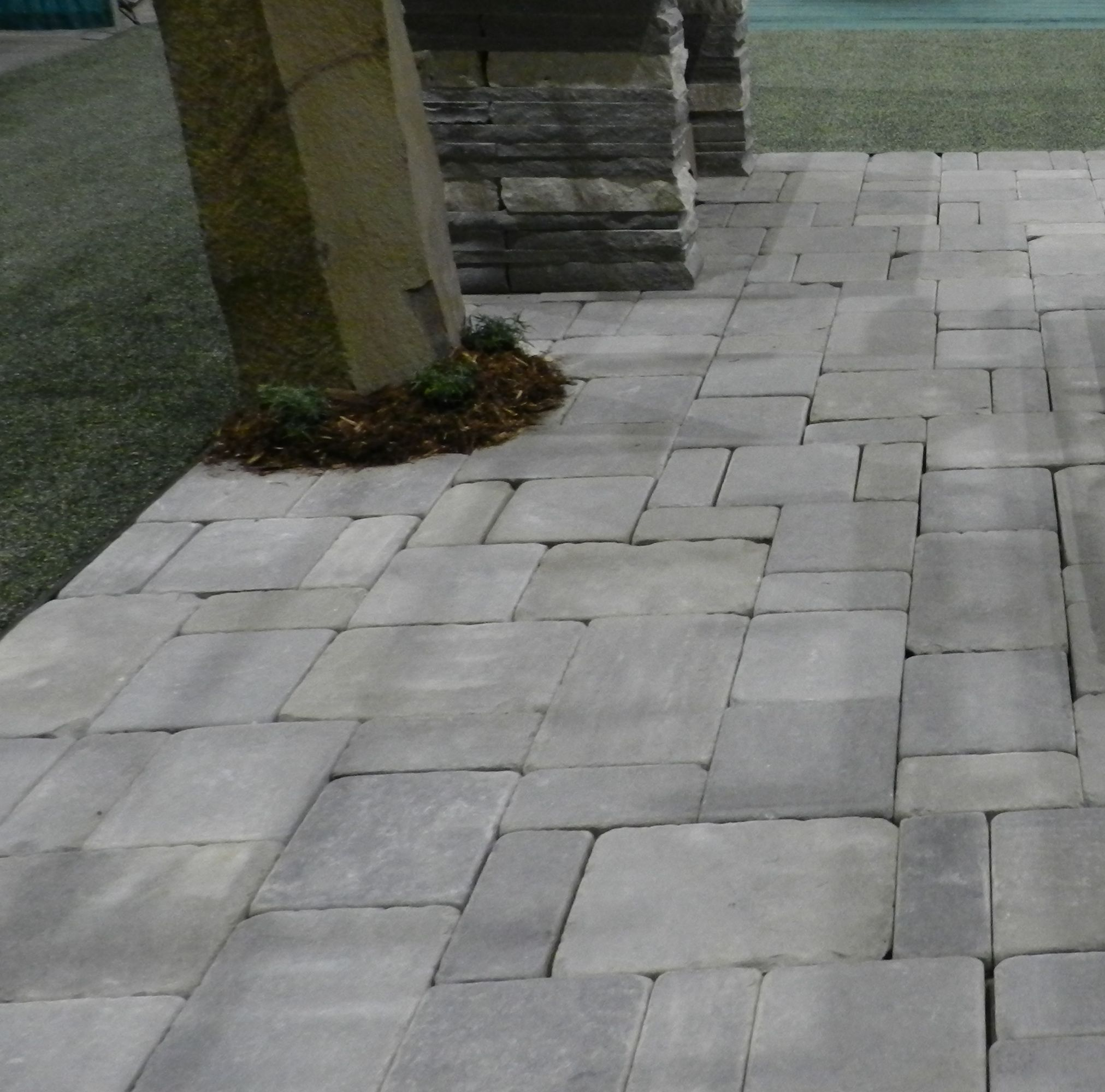 Tumbled bluestone pavers garden pinterest bluestone for Blue stone paver patio