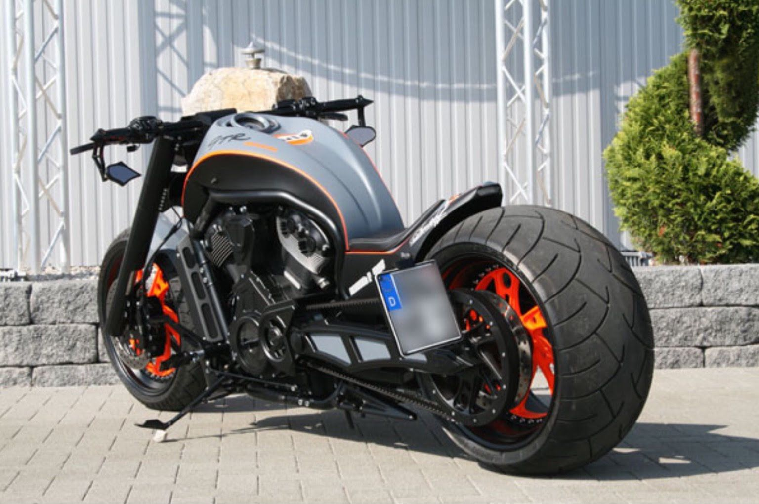 Harley Davidson Mclaren Edition A Stunning Bike To Ride V Rod