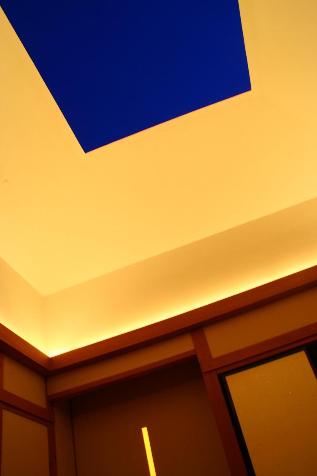 アーティスト&建築:ジェームズ・タレル 「アウトサイドイン」 http://www11.ocn.ne.jp/~jthikari/