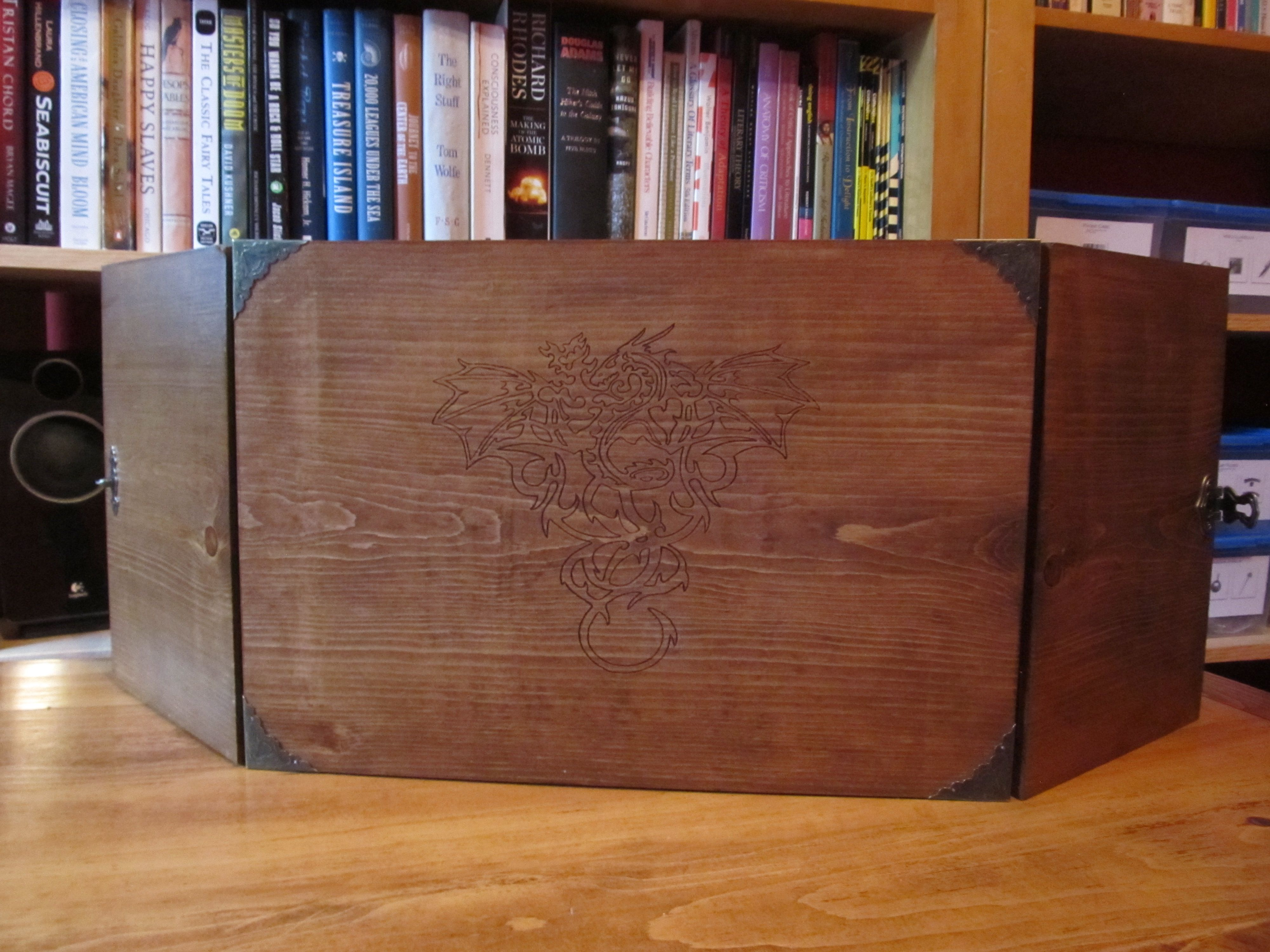 Handcrafted D&D Wood Dungeon Master Screen - Dungeons