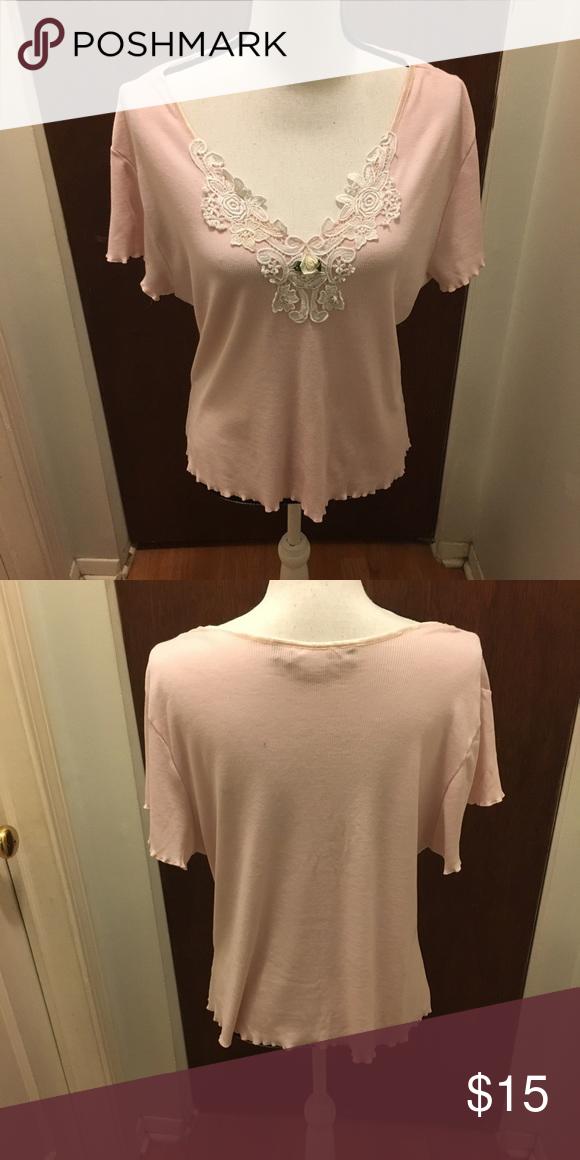 627dd914ef02c Susan Lucci Pink Shirt Susan Lucci Light Pink Flower design on front  measures 10-1