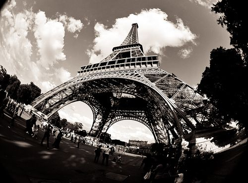Tour D'Effiel Fisheye. Photography by Chris Willis