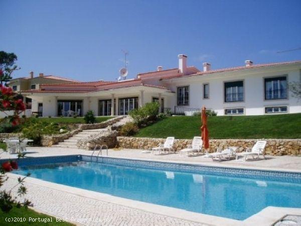 Fantastic 5 bedroom villa with heated pool in Nadadouro
