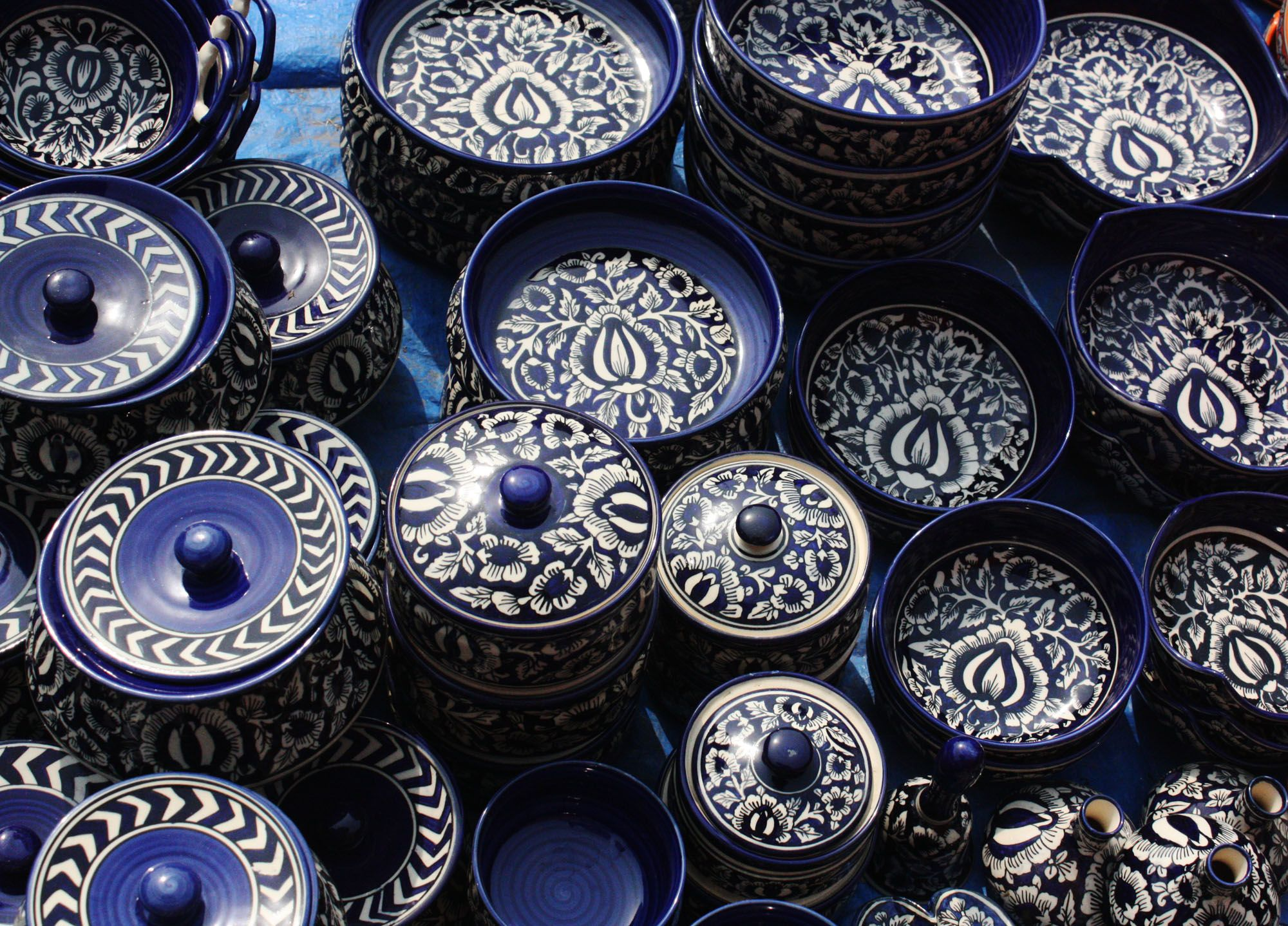 Medley Of Blue To Bring Style And Variety To Your Homedecor Contact Us If You Want To Buy Some Interesting Pott Blue Pottery Jaipur Blue Pottery Pottery