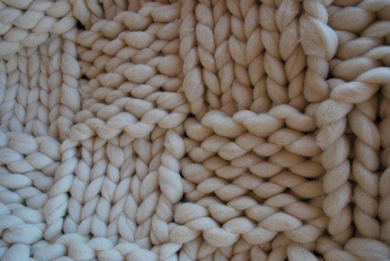 Plaid laine 100 % naturelle mérinos par AlzinaDouceur sur Etsy