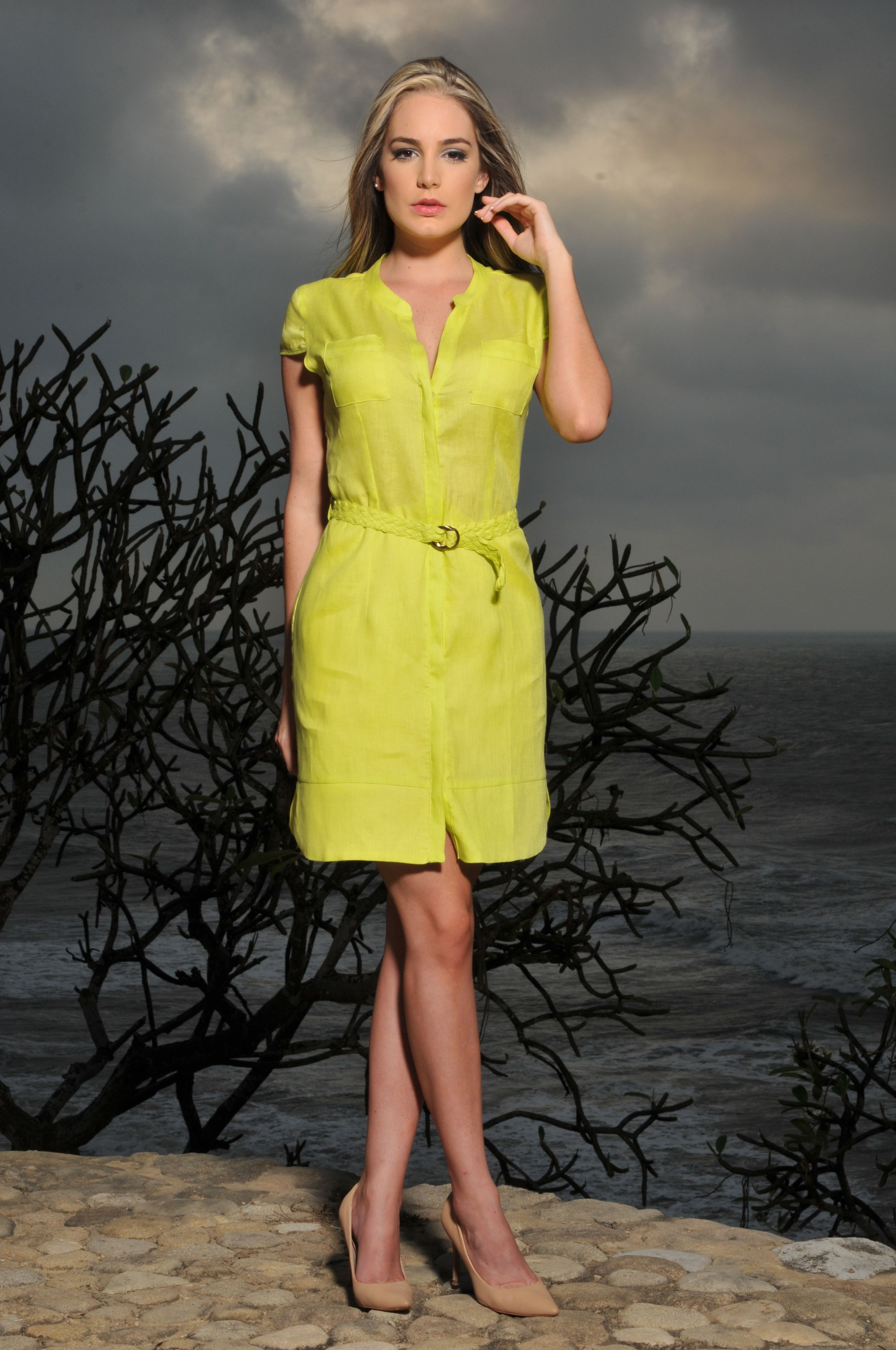 Vestido verde lima corto