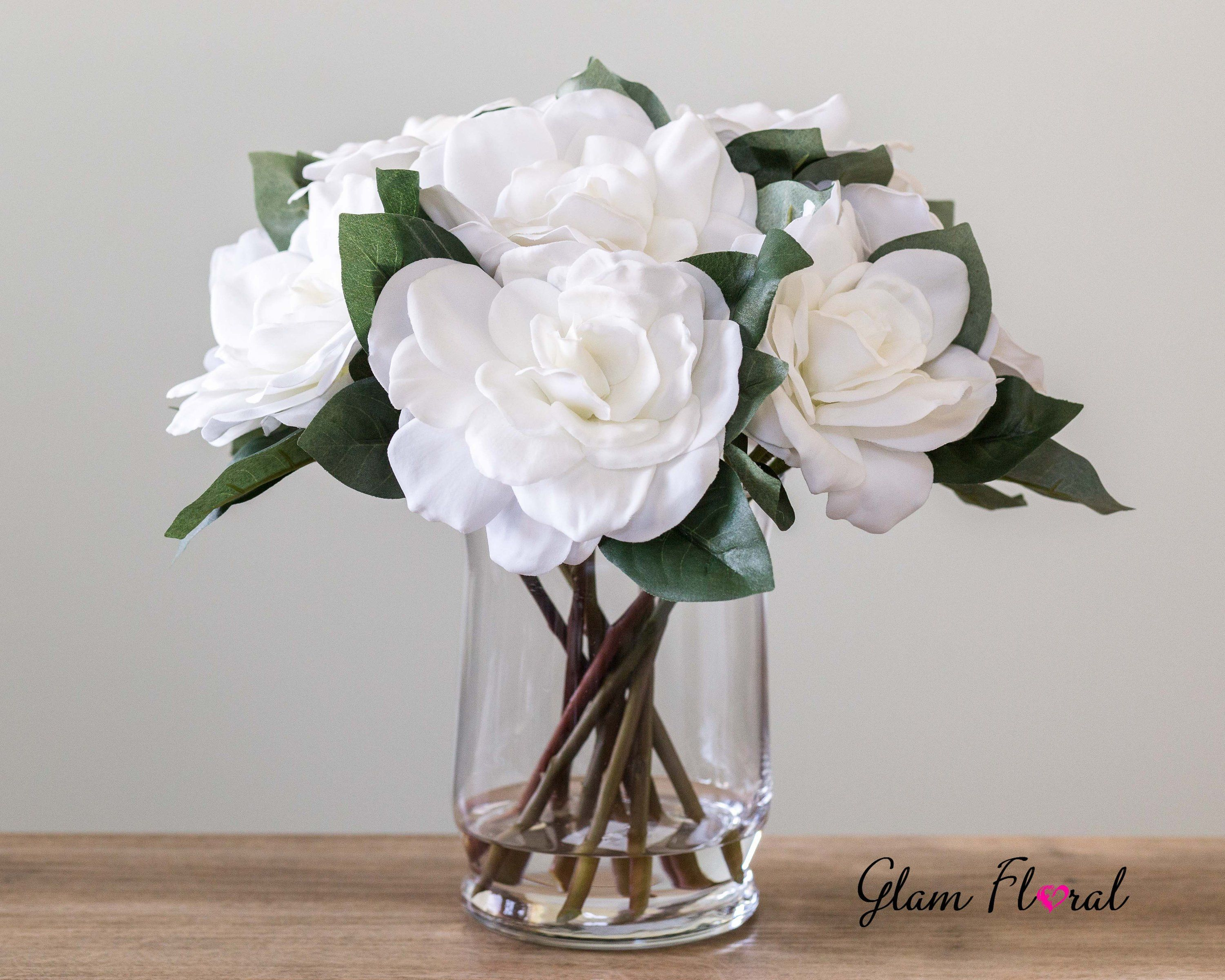 White Real Touch Gardenia Flower Arrangement Gardenias With Leaves In Faux Water Clear Glass Vase White Wedding Bouquet Centerpiece Flower Arrangements Flower Arrangements Center Pieces White Wedding Bouquets