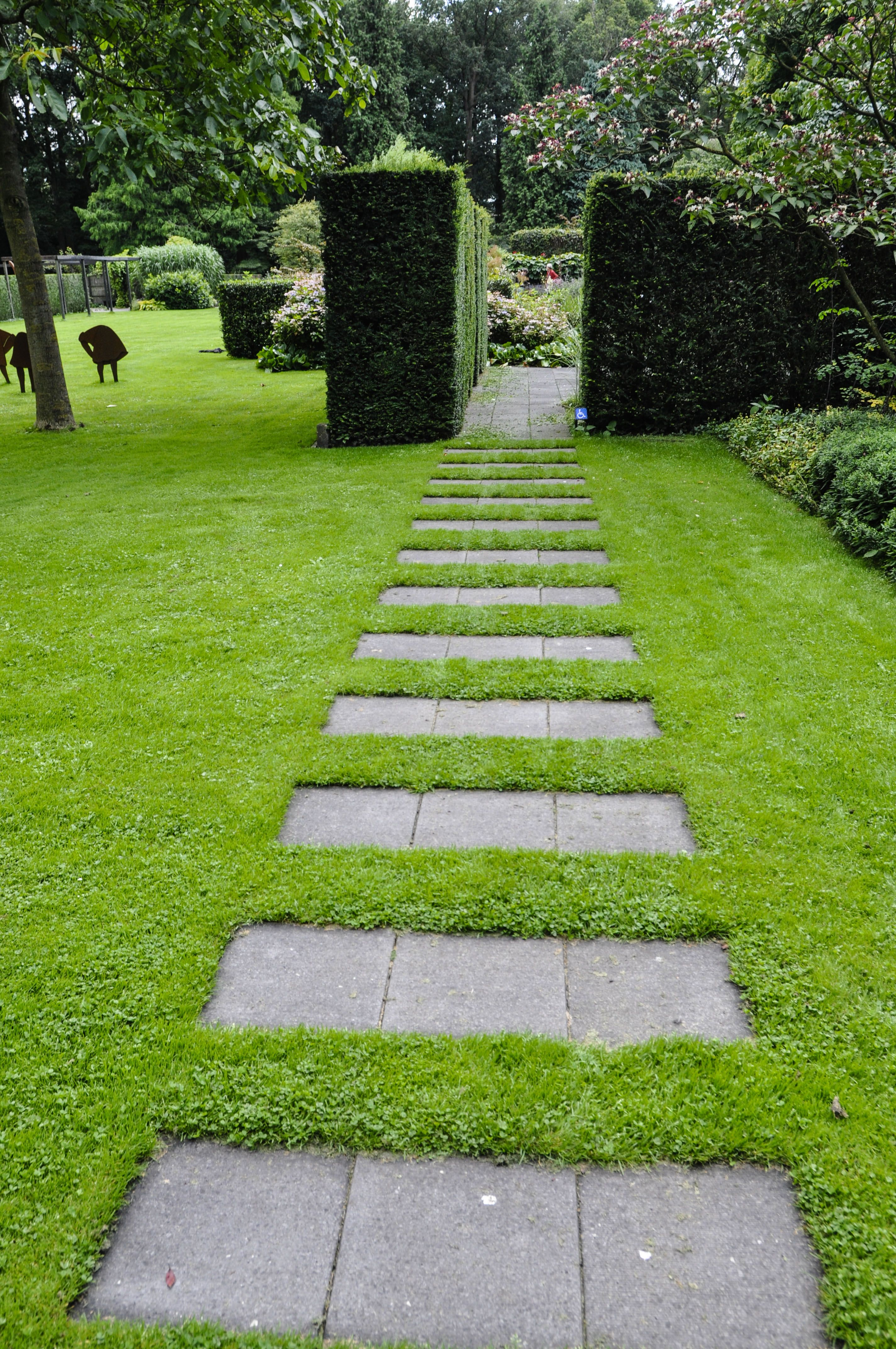 Garden Inspiration Mien Ruys Thinking Outside the Boxwood