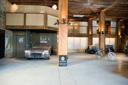 Gigantic Garage With Japanese Style Living Quarters.