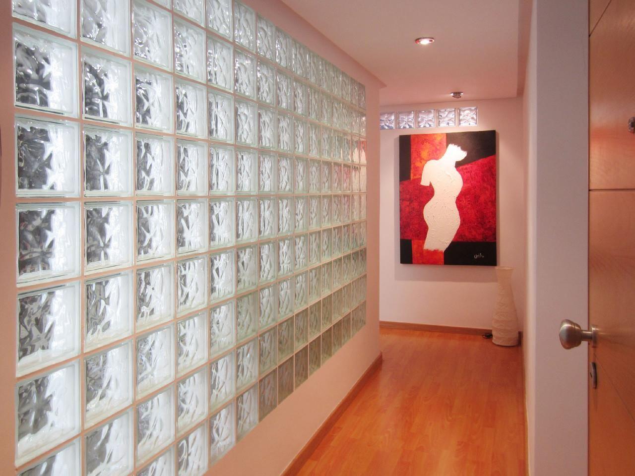 Decorar con paredes de cristal de pav s ladrillo de - Cristales para paredes ...
