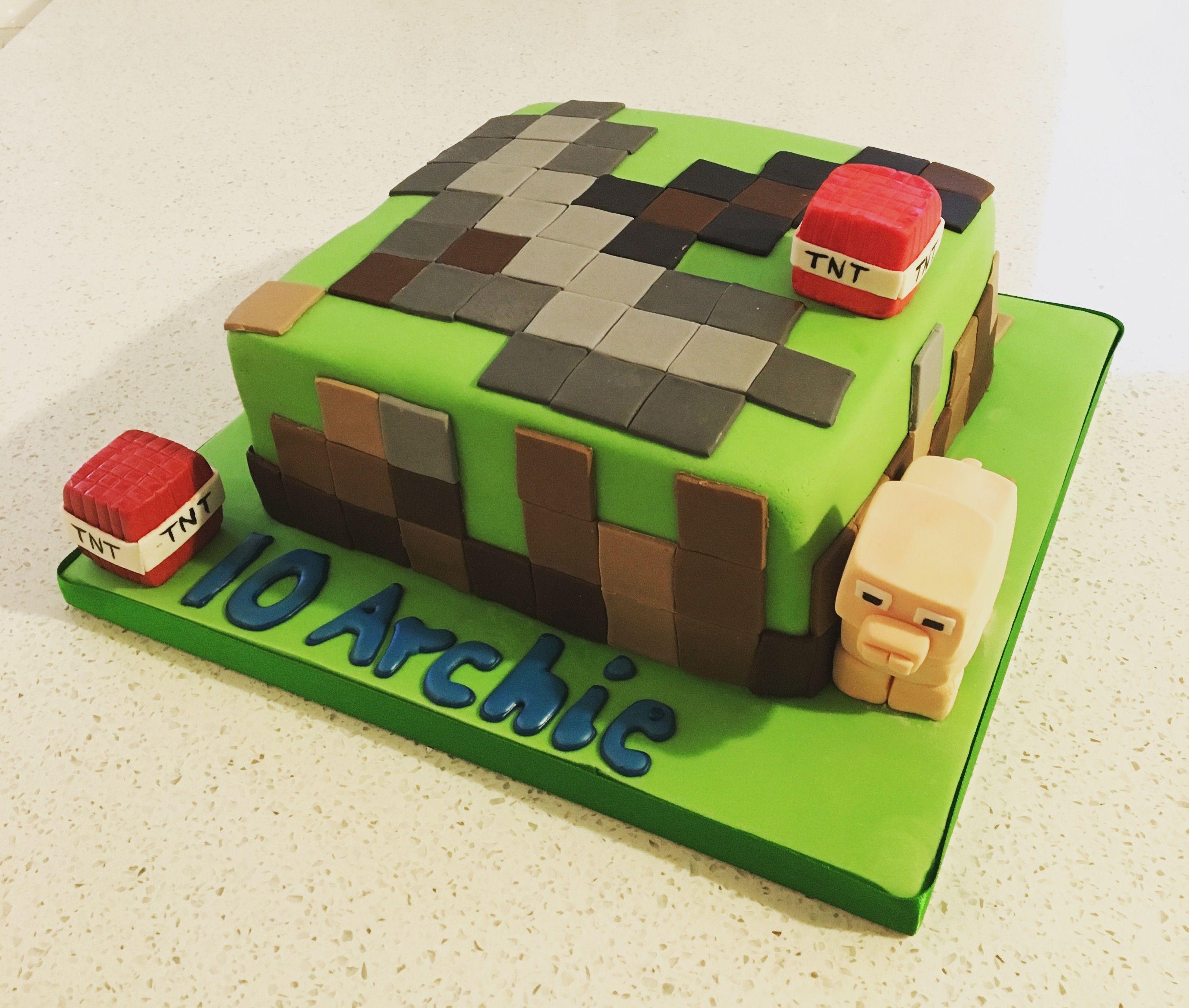#minecraft #minecraftbirthdaycake by #croftandgreencakes @croftandgreencakes
