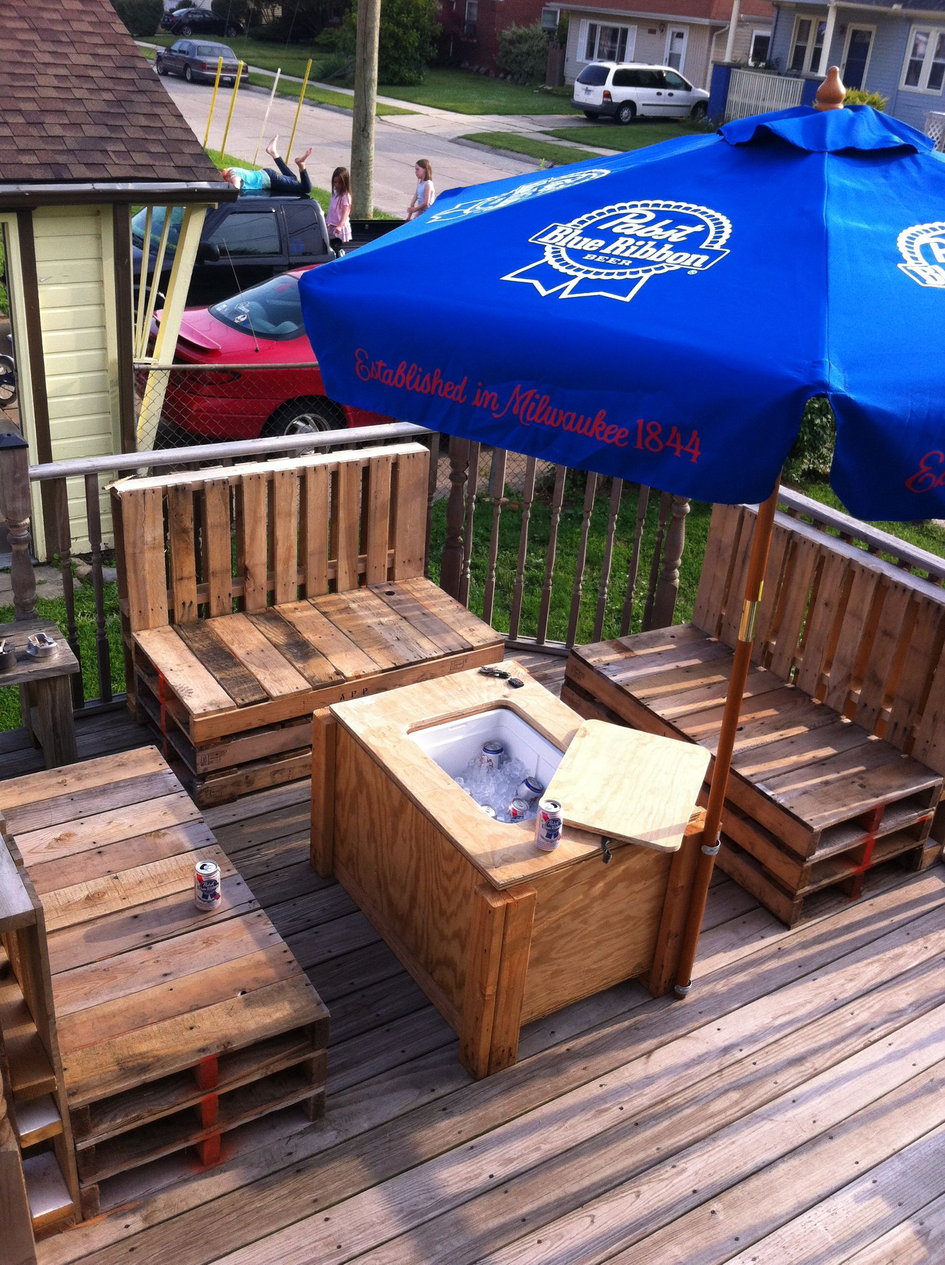 Proper Pallet Furniture And Patio Table With Built In Cooler
