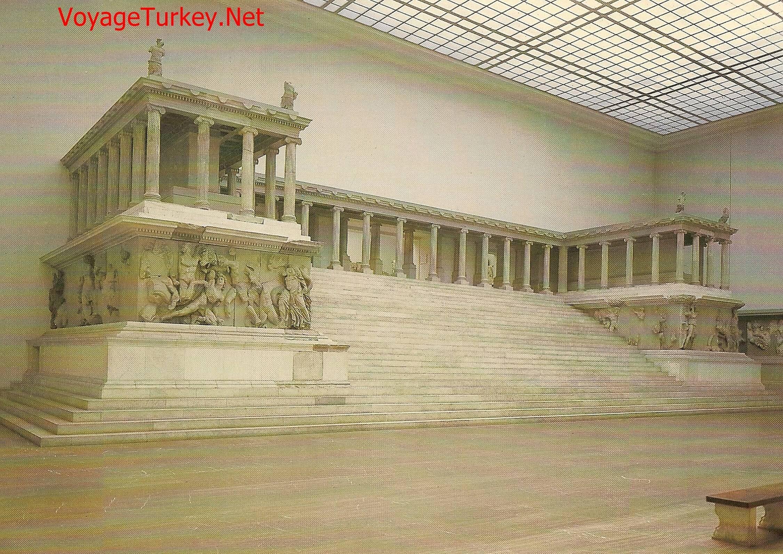 Altar Of Zeus In Pergamon Turkey The Throne Of Satan Voyageturkey Net In 2020 Pergamon Zeus Monumental Architecture