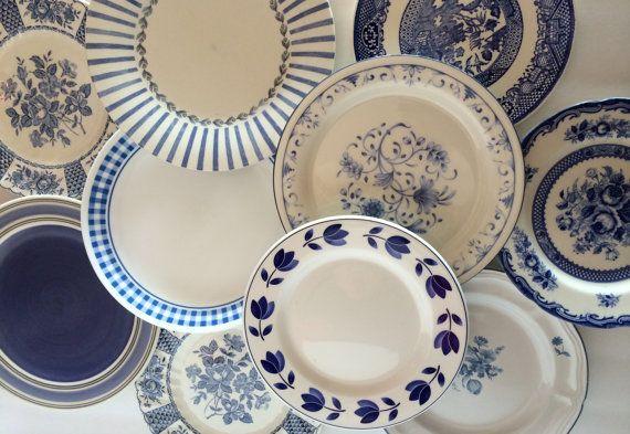 Blue White Salad Plates Mismatched /Stripe Floral di VintageByBeth