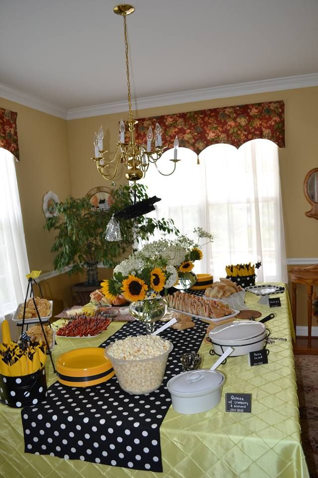 Grad Party - yellow and black theme