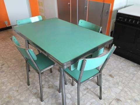 Formica Vert Cuisine Table Chaises PivoteauAqua Et De En LVSzGqUMp