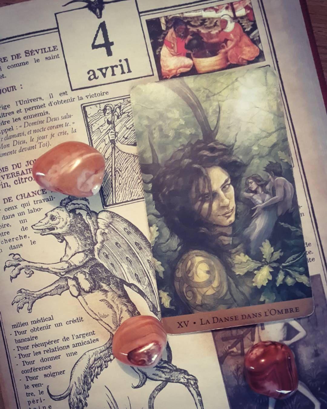 Arcane du jour Le Diable  Mot clé : La Passion #witches #witchbook #arcana #arcane #inconscient #intuition #tarotdeck #taromancy #taromancie #tarotcards #cartomancie #cartomancy #readingtarot #tarotspread #tarotreader #witchesofinstagram #witch by meliemelusine