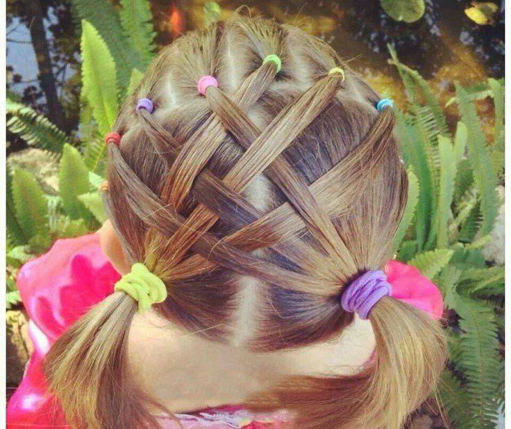 Peinados Para Ninas Dos Coletas Con Tiras De Cabello Cruzadas Peinados Con Ligas Para Ninas Peinados Para Ninas Peinado Con Ligas