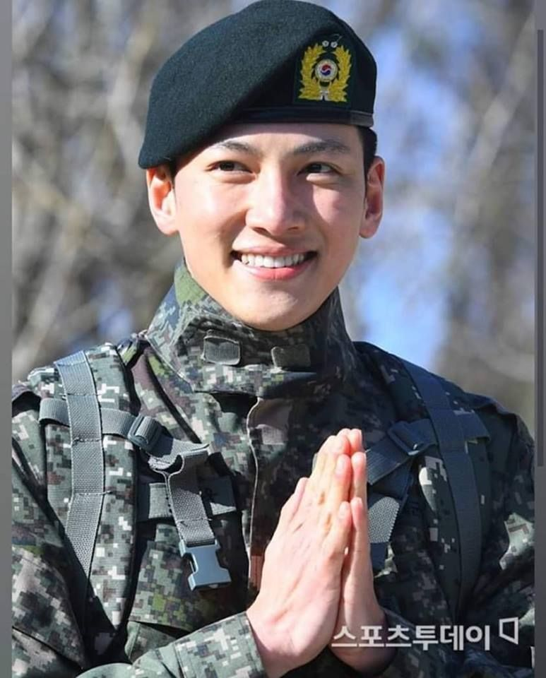 Ji Chang Wook Is Discharged From Military Service 2019.04