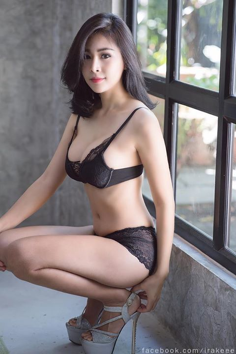 models Beautiful asian girls lingerie